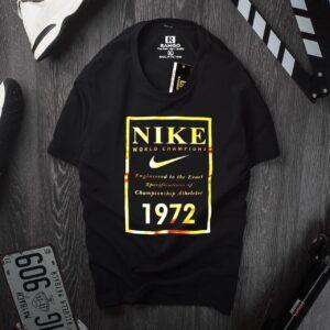 Nike's T-shirt